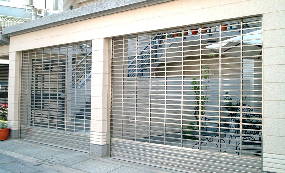 Bảo vệ toà nhà của bạn với cửa cuốn thép